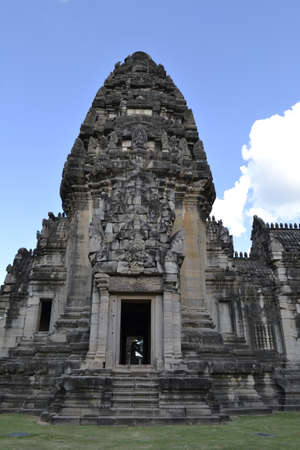 ratchasima: NAKHON RATCHASIMA - Travel the old castle rock of Phimai Editorial
