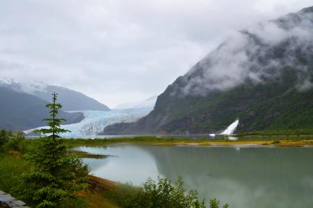 Mendenhall Glacier in Juneau Alaska 版權商用圖片