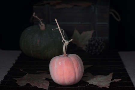 Gift chest with pumpkins, in autumn time Foto de archivo
