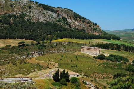 diazoma: Il tempio dorico di Segesta