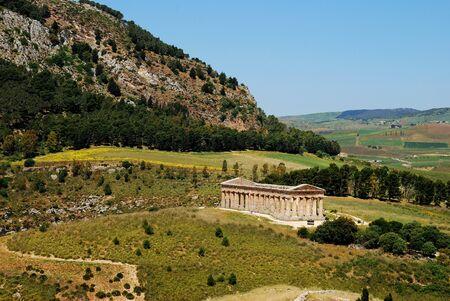 doric: El templo d�rico de Segesta