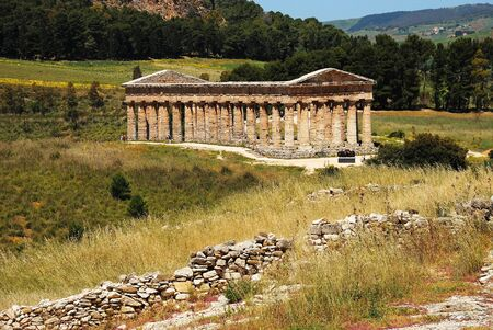 peripteral: The Doric temple of Segesta Stock Photo