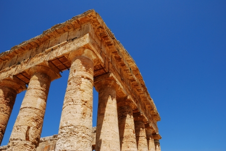 peripteral: Segesta  Sicily  Greek temple Stock Photo