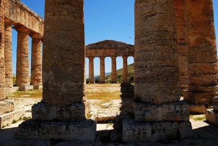temple grec: Segesta Sicile temple grec Banque d'images