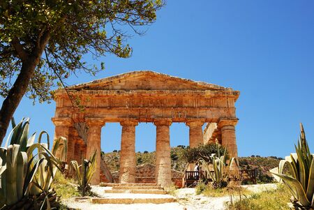 crimiso: Segesta  Sicily  Greek temple Stock Photo