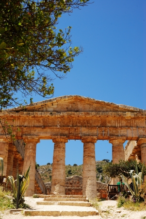 servile: Segesta  Sicily  Greek temple Stock Photo