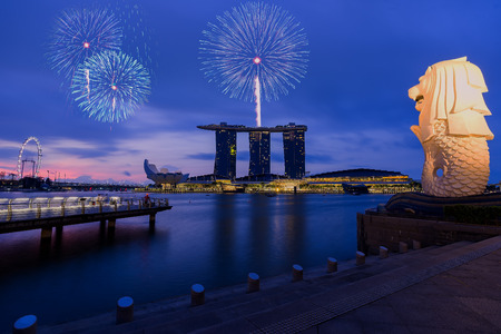 Singapore national day fireworks celebration at Marina Bay cityscape 新闻类图片