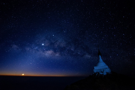 Milky Way Galaxy Mulayit taung pagoda on top of the mountain, the pagoda located in Kayin State Myanmar Banco de Imagens