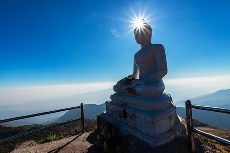 Landscape Ancient Buddha Statue On Top Of Mulayit Mountain , Myanmar Banco de Imagens