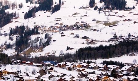 Village lenk in berner oberland, suisse
