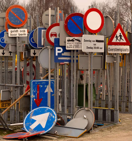 Storage of traffic signs in the Netherlands (dutch text)