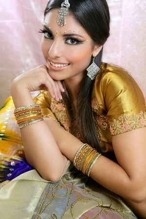 beautiful indian girl face: Beautiful indian brunette young woman with traditional fashion