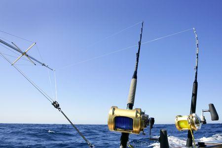 big game: Big game fishing barca in mare profondo sulla barca  Archivio Fotografico