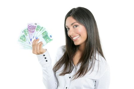 mano con dinero: Empresaria de �xito hermosa celebraci�n de billetes de euro aislados en blanco Foto de archivo