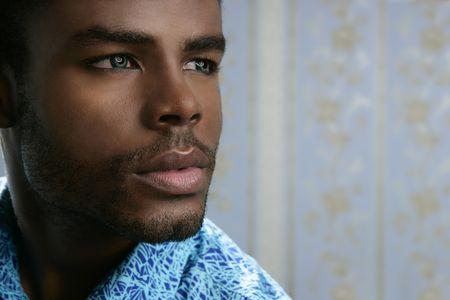 etudiant africain: Jeunes africains am�ricains de noirs cute man portrait de gros plan