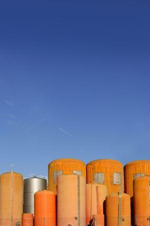 fiberglass: Fibra de vidrio de contenedor naranja de industria de cilindro l�quido