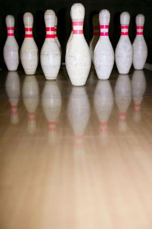 bolus: Bowling bolus row reflexion on wooden parquet floor