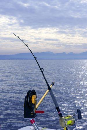trolling: Barco de downrigger del engranaje agua salada el sistema de varilla de tackle y el carrete