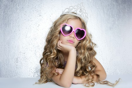 child model: fashion victim little princess girl humor portrait crown and hearth shape glasses