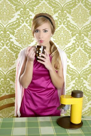 coffee retro woman vintage cup kitchen green wallpaper Stock Photo - 8424753