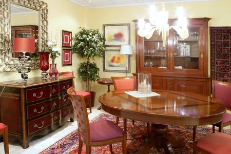 muebles de madera: Candelabro brillantes de c�lido de muebles de madera de tabla de sal�n cl�sico
