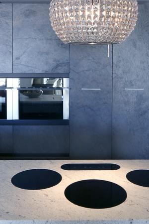 forniture: Banco de m�rmol vitrocer�mica integrado estufa de muebles de cocina de piedra pizarra
