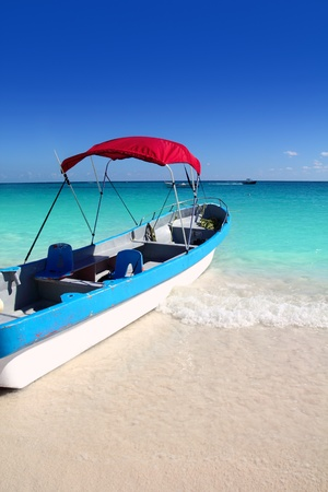 boat tropical beach Caribbean turquoise sea water Stock Photo - 8926067