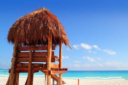sun roof: lifeguard wooden sun roof caribbean in tropical beach Stock Photo