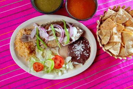 mojo: mojarra garlic mojo tilapia fish Mexico chili sauce and nachos