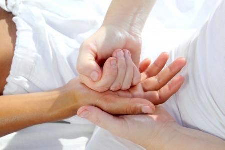 masaje de reflexología de presión digital manos tuina terapia fisioterapia