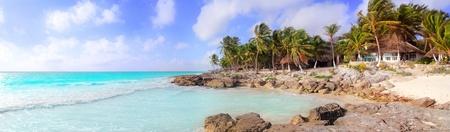 panorama beach: Giornata di spiaggia tropicale panoramica dei Caraibi Tulum Messico sole