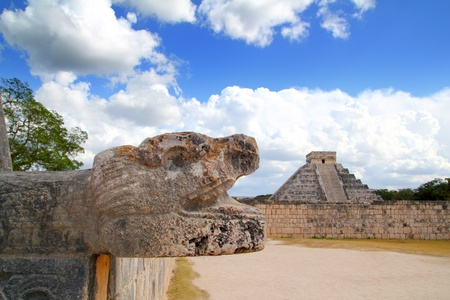 chichen itza: Chichen Itza Jaguar and Kukulkan Mayan temple pyramid Mexico Yucatan Stock Photo