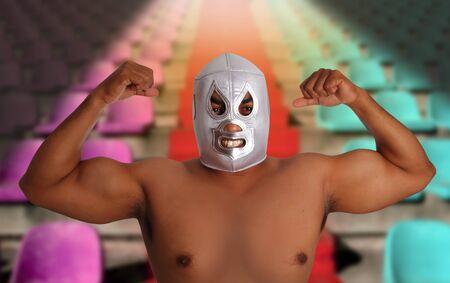 gradas estadio: asientos de gradas de estadio de caza gesto de lucha libre mexicana m�scara plata