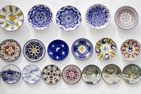 mallorca: ceramic plates decorated hand painted crafts Mediterranean Ibiza Stock Photo