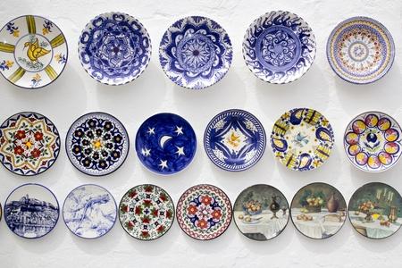 Keramik: Keramikplatten geschm�ckt Hand bemalt Handwerk Mittelmeer Ibiza