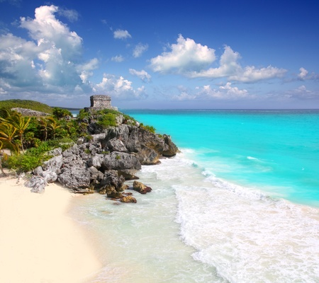 ancient Mayan ruins temple of Tulum in Caribbean turquoise sea shore Stock Photo