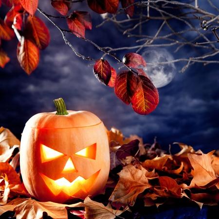 Moonlight lanterns: halloween đèn bí ngô trong các đám mây trên bầu trời đêm ánh trăng Kho ảnh