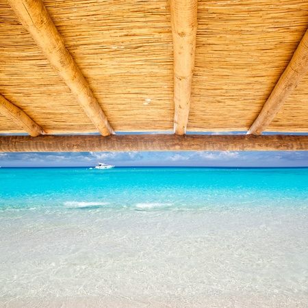 sunroof: Cane sunroof with tropical perfect beach of truquoise water view Stock Photo