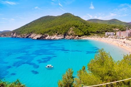 Ibiza Cala de Sant Vicent caleta de San Vicente mare turchese dell'acqua