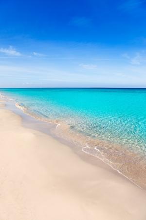 tanga: Formentera Llevant spiaggia tanga con una perfetta acqua turchese Archivio Fotografico