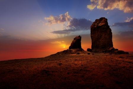 Gran Canaria Roque Nublo Tejeda dramatyczne niebo zachód słońca na Wyspach Kanaryjskich