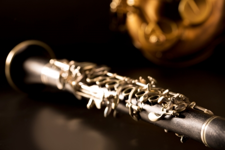 M�sica cl�sica Sax saxo tenor y clarinete en fondo negro photo