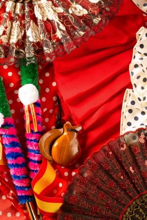 bailando flamenco: Espana típica de España con las castañuelas se levantó fan peine torero y traje de flamenca