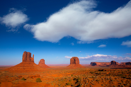butte: Monument Valley West and East Mittens and Merrick Butte Utah