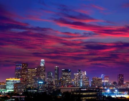 la: Downtown LA Los Angeles Nacht Sonnenuntergang bunte Skyline Kalifornien