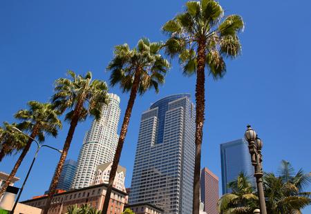 vysoký úhel pohledu: LA Downtown Los Angeles Pershing Square dlaň kadeře a mrakodrapy
