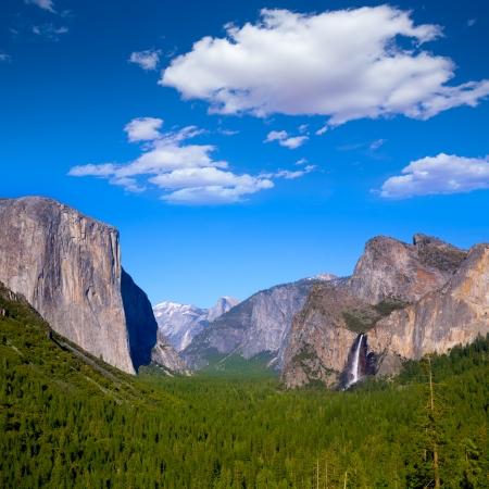 half dome: Yosemite el Capitan and Half Dome in California National Parks US