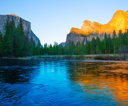 el capitan: Yosemite Merced River el Capitan and Half Dome in California National Parks US Stock Photo