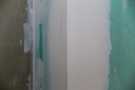 plasterboard: drywall hydrophobic plasterboard in green plaster corner seam detail