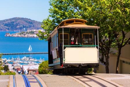 샌프란시스코: 미국 캘리포니아에있는 파웰 - 하이드 샌프란시스코 하이드 스트리트 케이블카 트램